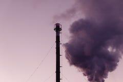 chimney Загрязнение, причинять загрязнения глобальный стоковое фото