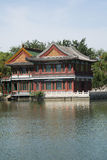 Chinês asiático, Pequim, parque do lago Longtan, construções antigas Imagens de Stock