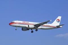 China Airbus oriental 320-214, aterrissagem B-6009 no Pequim, China Foto de Stock Royalty Free