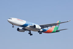 China Airbus oriental A330-300, aterrissagem B-6100 no Pequim, China Imagens de Stock Royalty Free