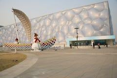 China, Asia, Pekín, el centro de natación nacional, decoración del Año Nuevo, muñeco de nieve, navegación Fotografía de archivo