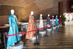 China Asien, Peking, das nationale großartige Theater, Ausstellungshalle, Theater-Kleidung Lizenzfreies Stockfoto