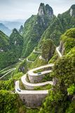 China, Berg Tianmen Shan, Serpentindrehungen 99 Lizenzfreies Stockfoto