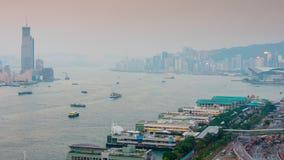 China crepuscular del lapso de tiempo del panorama 4k del tejado de la bahía del tráfico de Hong-Kong de la puesta del sol almacen de metraje de vídeo
