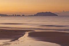 China de Sanya de la playa de la salida del sol fotografía de archivo
