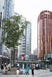 China e Ásia, Pequim, SOHO de Sanlitun, construções modernas, distrito comercial Fotos de Stock