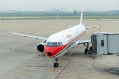 China Eastern Airlines A321 an Shenyang-Flughafen, China Lizenzfreies Stockfoto