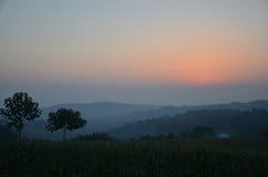 China een klein dorp bij zonsopgang stock fotografie