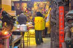 China, godsdienstige geloven, in traditionele stijl, tempels, groot wierookvat royalty-vrije stock foto