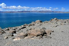 China Great Lakes von Tibet See Teri Tashi Namtso am sonnigen Tag im Juni stockfoto