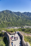 China, Juyongguan. Tourists in the fork of the Great Wall of China Stock Photos