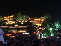 China-oldtown von Lijiang in der Nacht Lizenzfreie Stockfotos