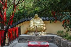 China-` s Gold-Buddha-Skulptur Lizenzfreie Stockfotos