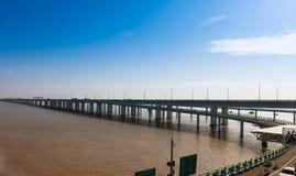 China-` s Hangzhou Bucht-Brücke Lizenzfreie Stockfotografie