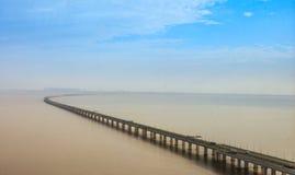 China-` s Hangzhou Bucht-Brücke Lizenzfreie Stockbilder