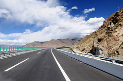 China's Tibet snow mountain roads Royalty Free Stock Photography
