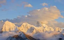 China, Sichuan, prefectura de Ganzi, nieve de Gongga Imagen de archivo