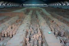 China/Xian: Guerreiros e cavalos do Terracotta imagens de stock