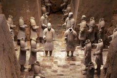 China/Xian: Guerreros y caballos de la terracota foto de archivo libre de regalías