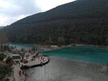 China Yunnan Lijiang Jade Dragon Snow Mountain Blue Lagoon fotos de stock