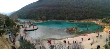 China Yunnan Lijiang Jade Dragon Snow Mountain Blue Lagoon foto de archivo libre de regalías