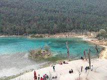 China Yunnan Lijiang Jade Dragon Snow Mountain Blue Lagoon foto de archivo