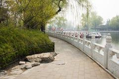ChinaAsia, Pechino, l'area scenica di Shichahai, barca facente un giro turistico Fotografie Stock