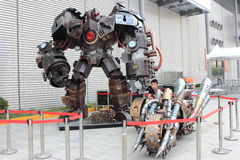 2013ChinaJoy : Robot noir de char d'or Photo libre de droits