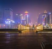 Chinatown con el distrito financiero de Singapores en el fondo foto de archivo libre de regalías