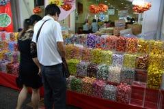 Chinatown ocupado a la víspera del Año Nuevo chino Foto de archivo