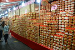 Chinatown ocupado a la víspera del Año Nuevo chino Imagenes de archivo