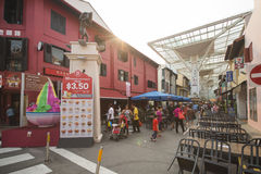 CHINATOWN, SINGAPORE - OKTOBER 12, 2015: voedselcentrum in Chinatow Royalty-vrije Stock Foto's