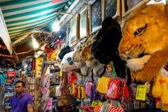 Chinatown, Singapour est un endroit vibrant pour des touristes photographie stock libre de droits