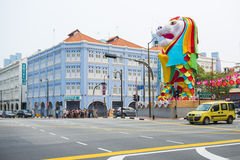 CHINATOWN, SINGAPUR AM 10. OKTOBER 2015: bunte historische Architektur Lizenzfreies Stockbild