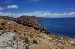 Chincana印加人废墟的惊人的看法在Isla在的喀喀湖的del Sol的 免版税库存图片