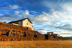 印加人宫殿废墟在Chinchero,库斯科省,秘鲁 免版税库存图片