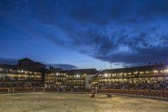 Chinchon的广场方形的市长适应了作为斗牛场,西班牙 免版税库存照片