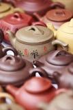 Chinees aardewerk op Panjiayuan-markt, Peking, China Stock Fotografie