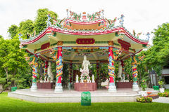 Chinees Achthoekig Dragon Pavilion Stock Afbeeldingen