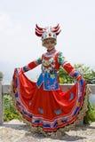 Chinees Etnisch Meisje in Traditionele Kleding Royalty-vrije Stock Foto