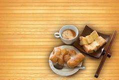 Chinees frituurde, toost, karnemelk, suiker Stock Afbeeldingen
