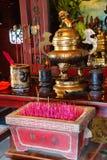 Chinees heiligdom met wierookstokken Royalty-vrije Stock Fotografie