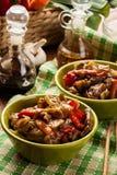 Chinees kleverig varkensvleeslendestuk dat met een zoete en smakelijke sauc wordt geroosterd Stock Afbeelding
