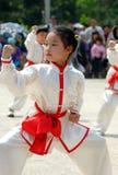 Chinees kungfumeisje royalty-vrije stock afbeeldingen