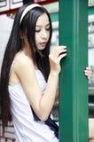 Chinees langharig meisje openlucht Stock Afbeeldingen