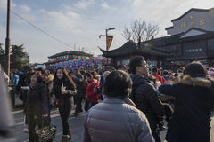 Chinees maannieuwjaar die de tempel van Confucius van toeristen nanjing royalty-vrije stock afbeeldingen