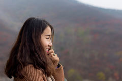 Chinees meisje in de Rode Bladvallei, Jinan, China stock fotografie