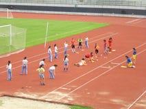 Chinees meisje in opleiding Stock Foto's