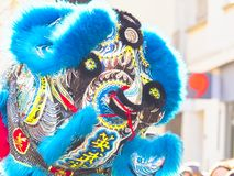 Chinees nieuw jaar 2019 Parijs Frankrijk - Leeuw het dansen stock afbeelding