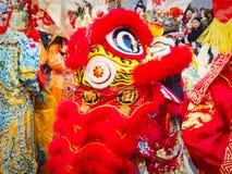 Chinees nieuw jaar 2019 Parijs Frankrijk - Leeuw het dansen royalty-vrije stock foto